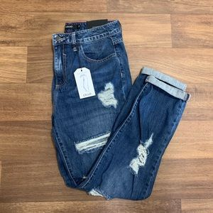 NWT distressed boyfriend jeans- Size 7